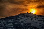 Západ slunce nad Sněžkou.