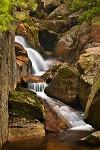 Teče voda, teče, po kameni skáče...