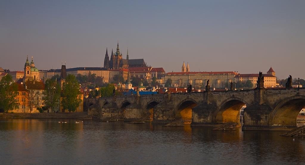 Praha probouzející se...