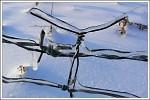 Dráty v ledu