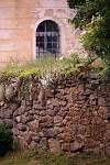 Kostelní zeď