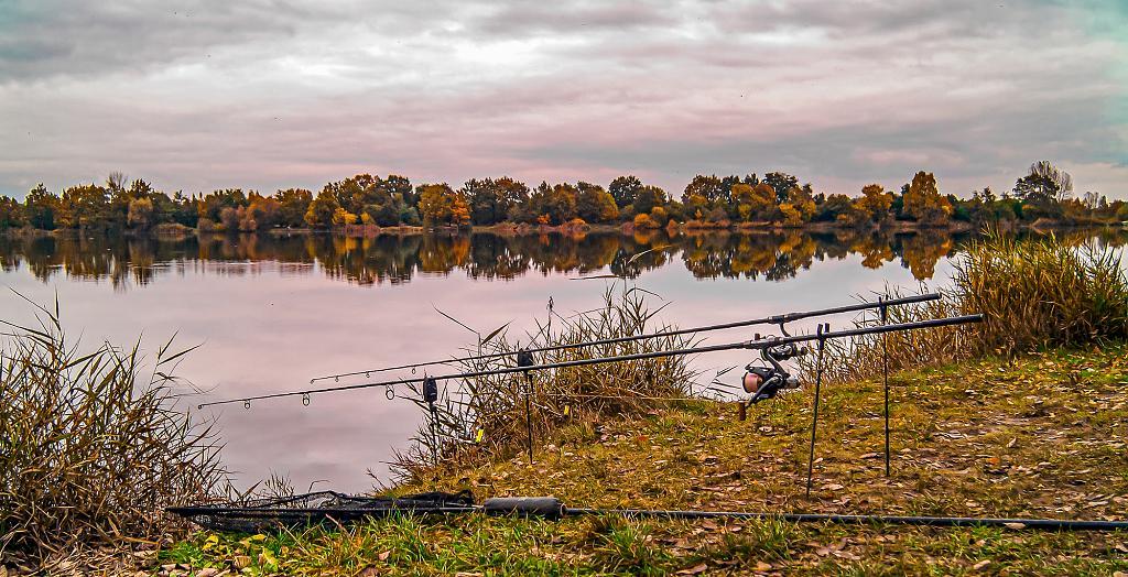 Na jezeru sám, není tu moc veselo.........