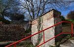 Zdi vs. zábradlí