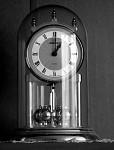 Čas je ten, kdo se nepozastaví nad žádnou událostí a bez povšimnutí jde neúprosně dál....
