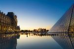 Západ slunce nad Louvrem