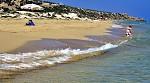Poklidná pláž na Kypru
