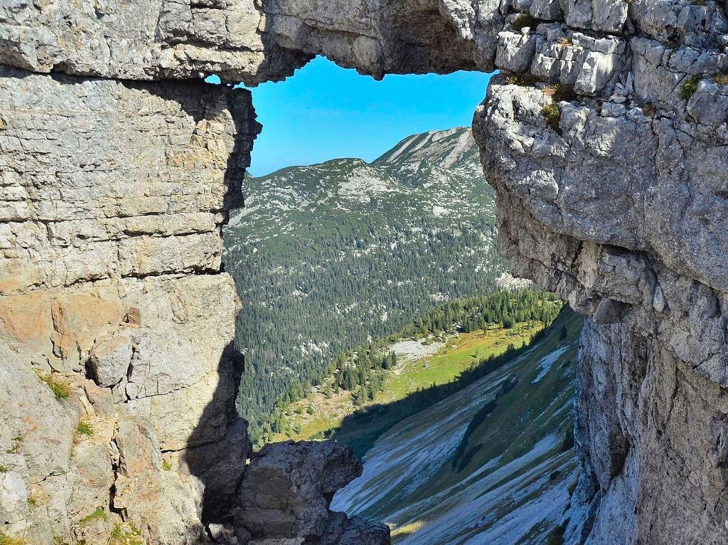 U skalního okna