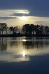 Slnko nad rybníkom