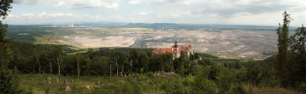 Zámek Jezeří a uhelné pánve