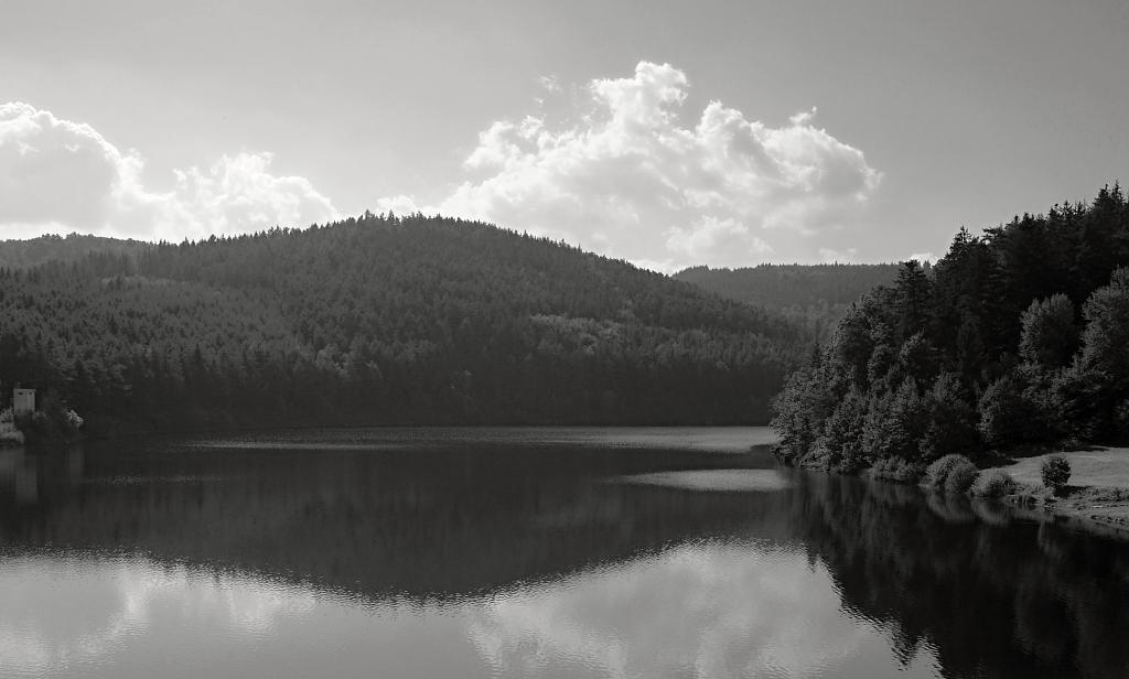 přehrada Husinec