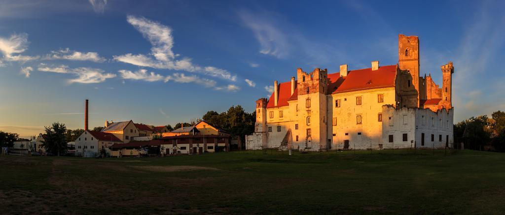 Břeclavský hrad a pivovar