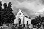 Hřbitovní kaple 2 B+W