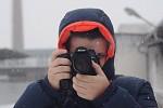 Fotograf pri teste Heliosu 135mm f2.8