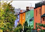 Podzim je v plném proudu, domky už hrají všemi barvami