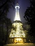 Noční Petřín a Pražský hrad