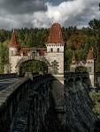 Přehrada Les Království