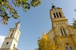 aj kostol chytil jesenne farby