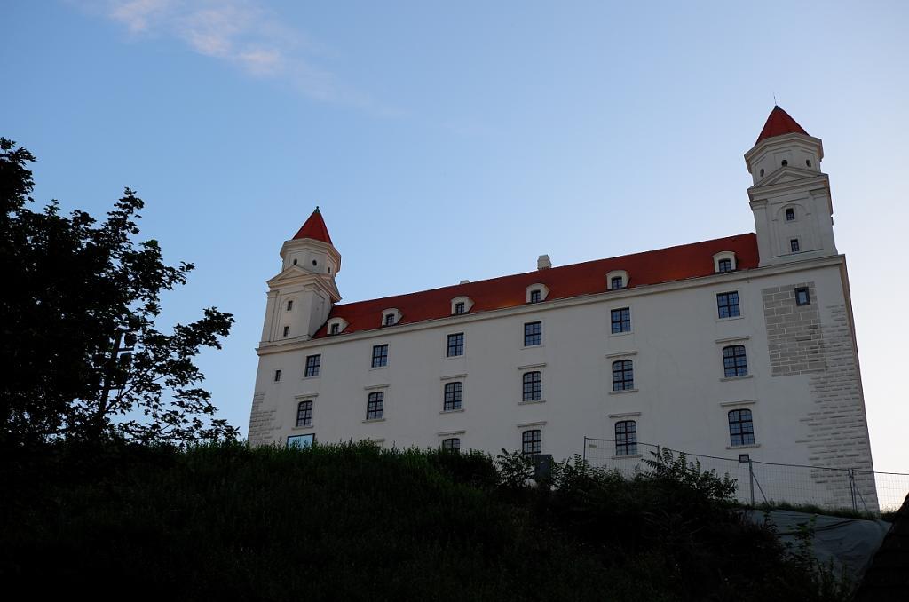 hrad pod vecer