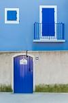 Za modrými dverami...