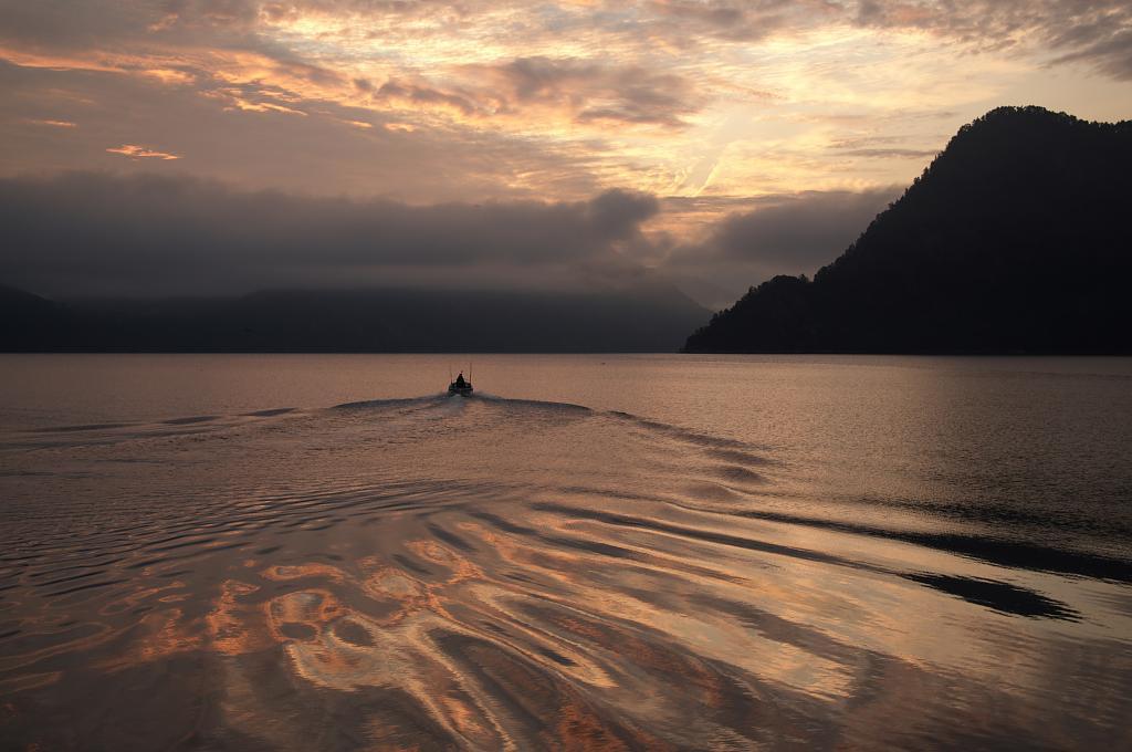Večerní fjord