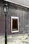 Okno a lampa