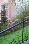 Zabradlie pri schodoch na cintorin