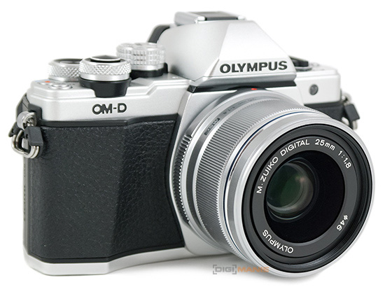 Olympus M.Zuiko Digital 25mm F1.8 na OM-D E-M10 Mark II
