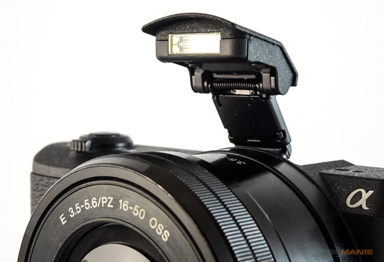 Sony A5100 (ILCE-5100) blesk